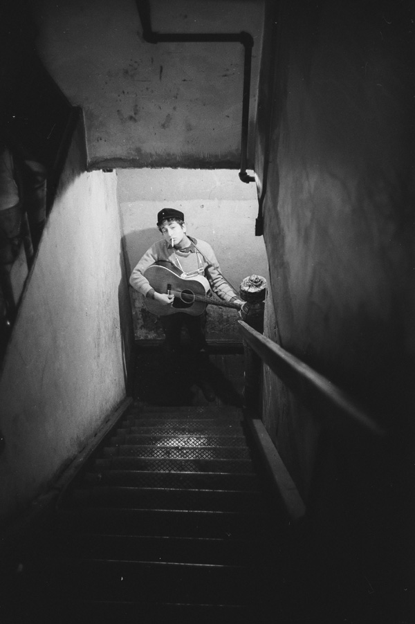 Bob Dylan coming up the stairs, Gerde's Folk City. Photograph by Ted Russell.